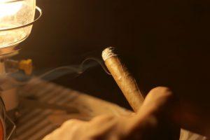 葉巻(プレミアムシガー)初心者のためにおすすめしたい葉巻を楽しむために必要な道具や火のつけ方